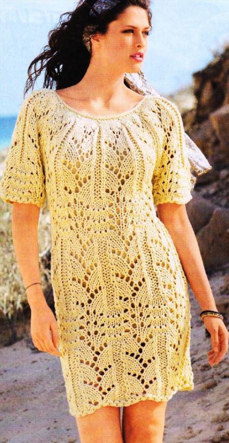 Ажурное платье спицами из объемной пряжи