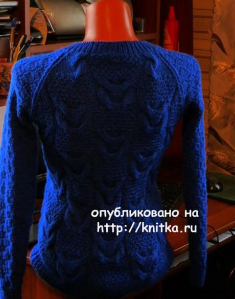 Синий джемпер спицами. Работа Марины Ефименко вязание и схемы вязания