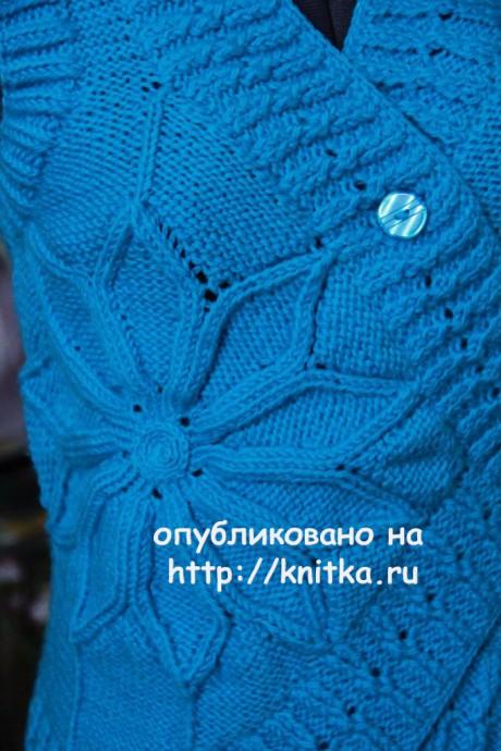 Жилет Яркая бирюза. Работа Елены Петровой вязание и схемы вязания
