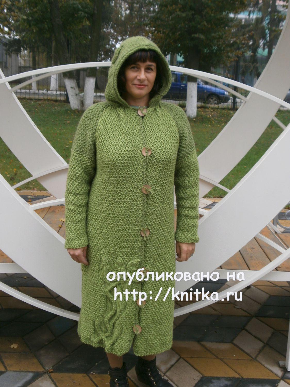 Вязаное спицами пальто. Работа Наталии Гуторовой, Вязание ...