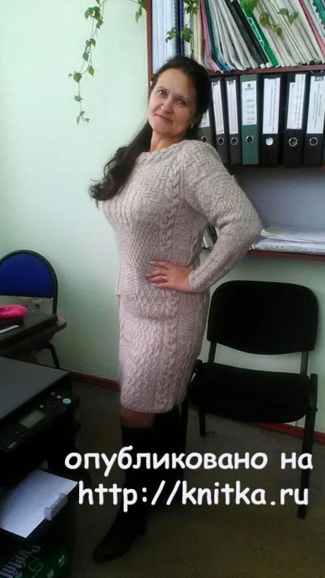 Платье спицами. Работа Натальи Самойловой. Вязание спицами.