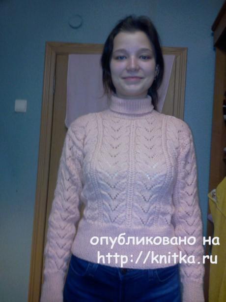 Свитер спицами. Работа Наталии вязание и схемы вязания