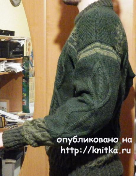 Мужской джемпер спицами. Работа Елены Мерцаловой вязание и схемы вязания