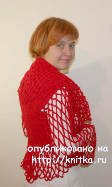 Красное болеро с капюшоном. Вязание спицами и крючком вязание и схемы вязания