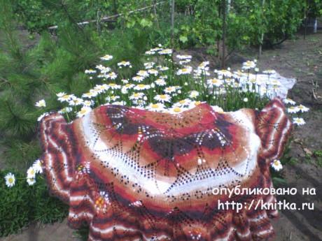 Шаль спицами Весенние листочки. Работа Натальи Шевченко вязание и схемы вязания