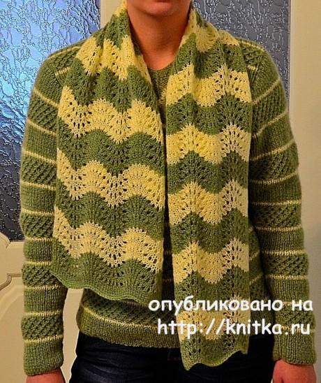 Комплект спицами: свитер и ажурный полосатый шарф