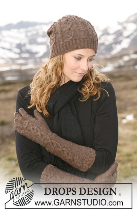 фото шапочки и перчаток спицами