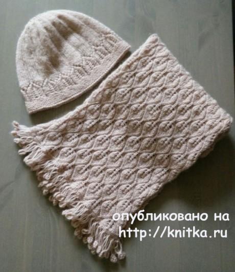 Шарф и шапка спицами. Работы Александры Карвелис вязание и схемы вязания