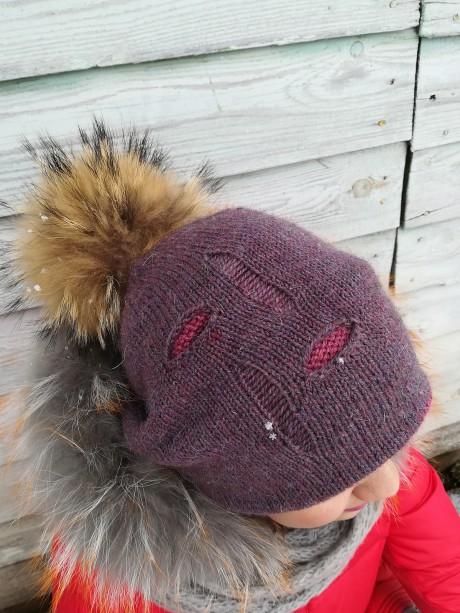 шапочка спицами с дырками рвань
