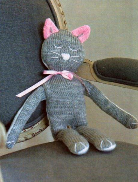 фото вязаного спицами кота