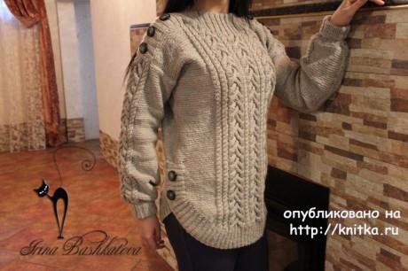 Объемный женский свитер спицами. Работа Ирины вязание и схемы вязания