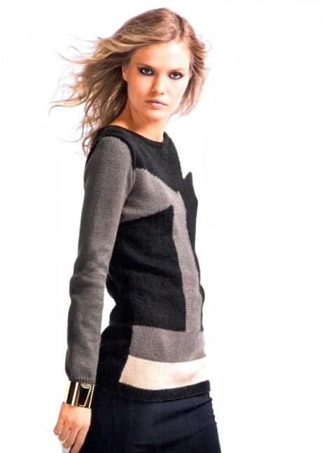 пуловер с графическим узором интарсия