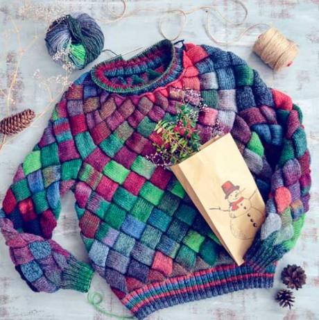 свитер в технике энтерлак