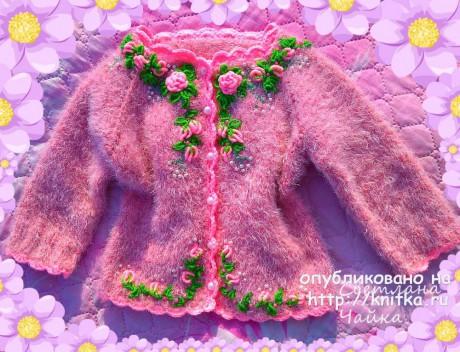 Детская кофточка спицами Маленькая роза. Работа Светланы Чайка вязание и схемы вязания