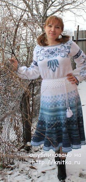 Платье Зимний ручей спицами. Работа Наталии Левиной вязание и схемы вязания
