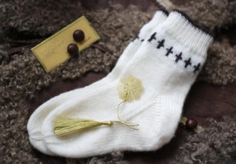 Детские носки на 5 спицах с косой пяткой