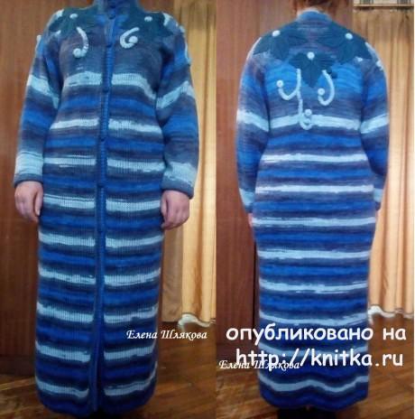 Женское пальто спицами. Работа Елены Шляковой. Вязание спицами.