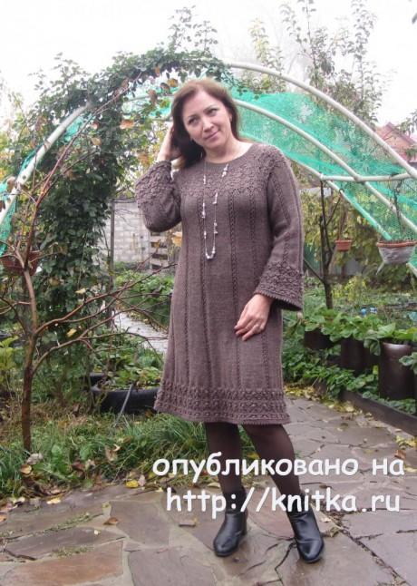 Женское платье спицами. Работа Наталии Левиной. Вязание спицами.