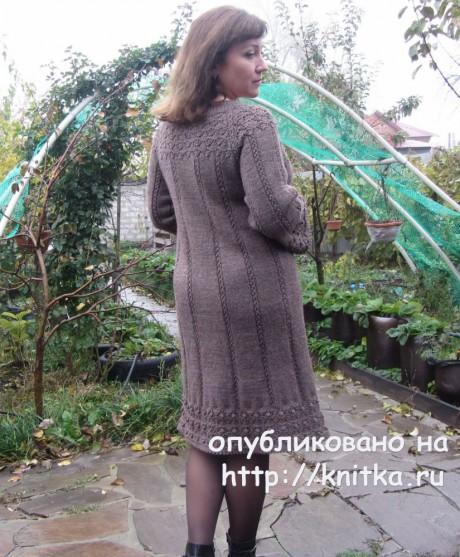 Женское платье спицами. Работа Наталии Левиной вязание и схемы вязания