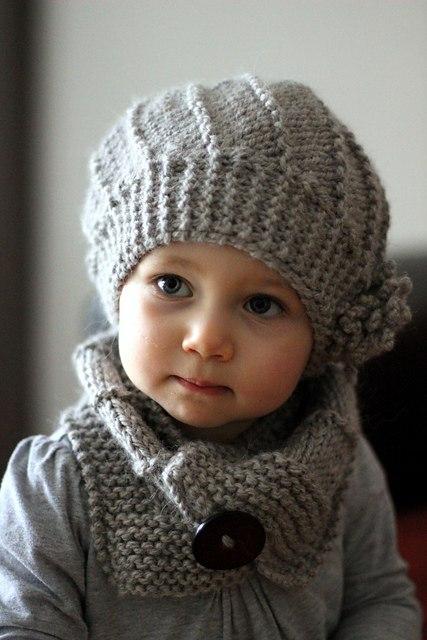 Детский беретик спицами и шарф