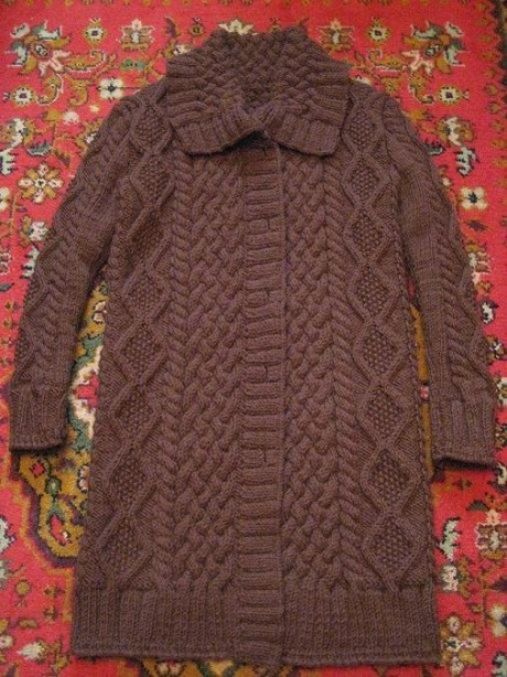 Теплое пальто для женщин спицами