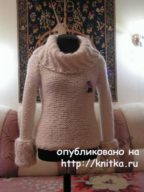 Женский свитер спицами. Работа Людмилы Петровой вязание и схемы вязания