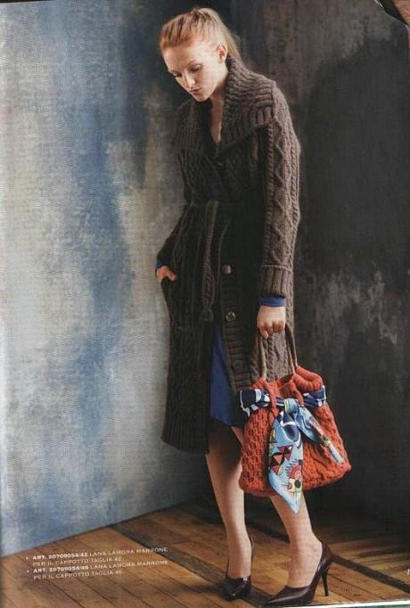Как связать пальто спицами для женщин с шикарными аранами