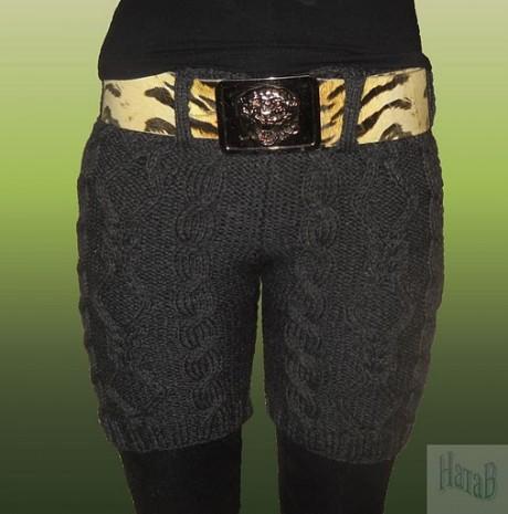 Вяжем спицами женские шорты с аранами