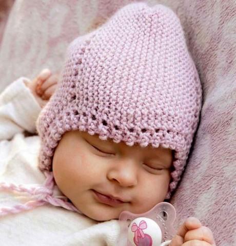 Шапочка спицами для новорожденного малыша с ушками