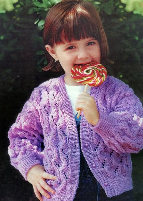 Фиолетовая кофточка спицами для девочки