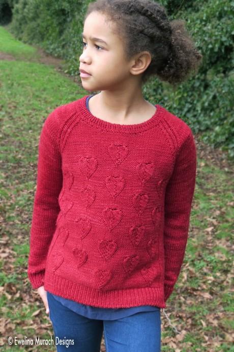 Красный пуловер для девочки спицами