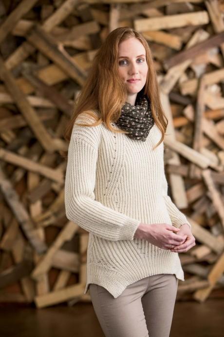 Как связать спицами женский свитер из мериносовой шерсти