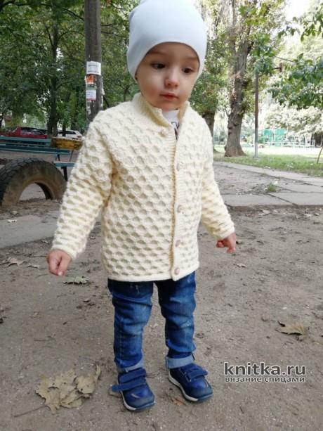 Детская кофточка спицами. Работа Ирины Стильник. Вязание спицами.