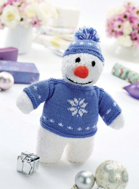 Вязанный спицами снеговик Дерек