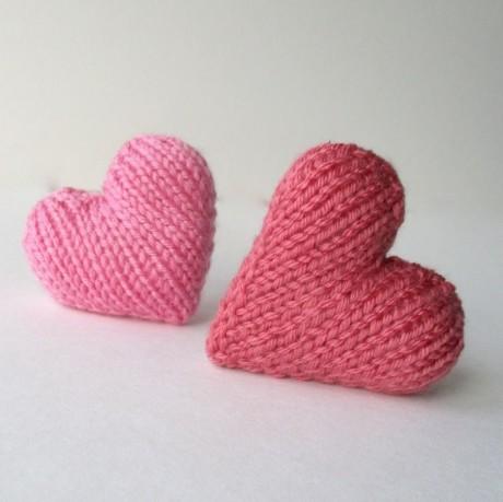 Красивое и простое сердечко спицами