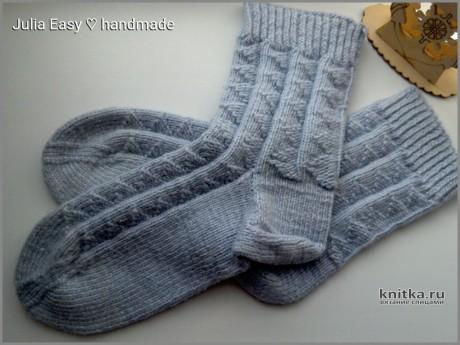 Мужские носки спицами с теневым рисунком. Работа Julia Easy. Вязание спицами.