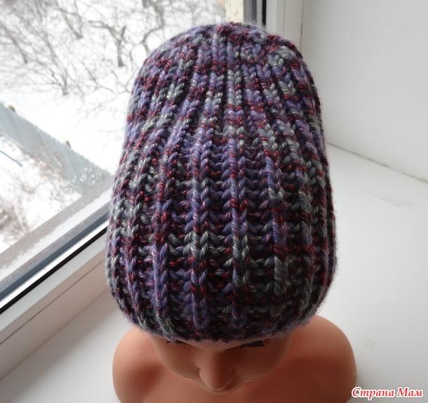 женская шапка связанная английской резинкой вязание для женщин