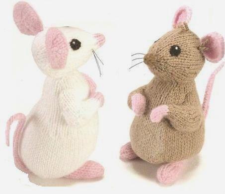 Мышка спицами