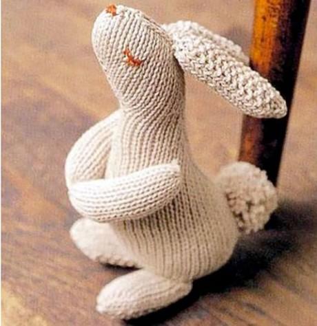 Заяц спицами