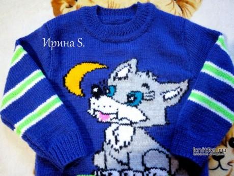 Детский свитер спицами Волчонок и луна. Работа Ирины Стильник вязание и схемы вязания
