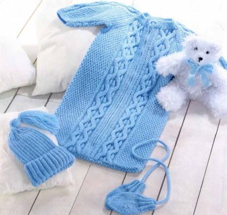 Удобный спальный мешок спицами для новорожденного