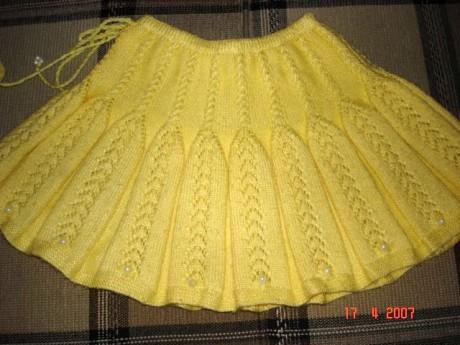 Желтая юбка для девочки, схема и описание