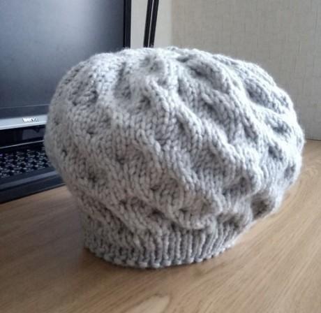 Зимняя шапка - берет спицами