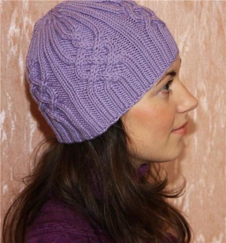 Женская зимняя шапка связанная спицами. Вязание спицами.