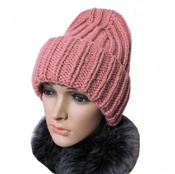 Схема зимней шапки с необычной макушкой