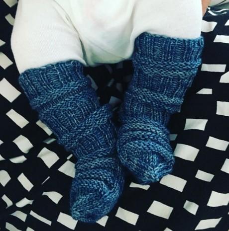 Как сидят на ножках традиционные вязаные финские носочки
