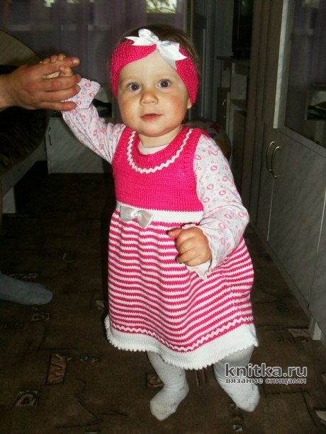 Платье для девочки спицами. Работа Арсентьевой Марины. Вязание спицами.