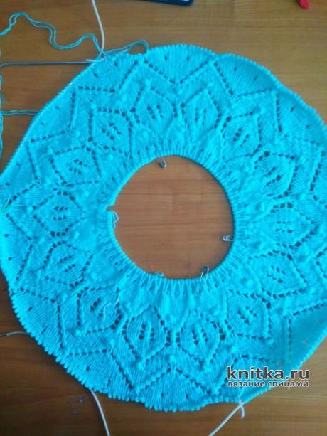 Вязаная спицами летняя кофточка на круглой кокетке вязание и схемы вязания