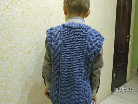 Жилет для мальчика с узором косы. Работа Светланы Лосевой вязание и схемы вязания