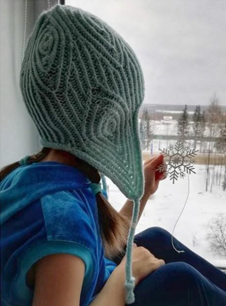 Как связать спицами красивую шапку с ушками для девочки. Вязание спицами.